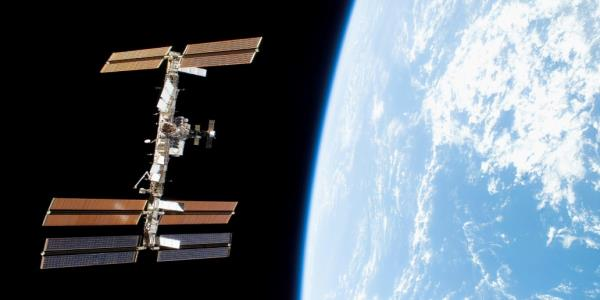 Spacecraft carrying Russias first humanoid robot docks at ISS