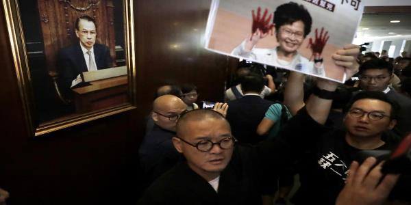 Chaos as Hong Kong lawmakers thwart leaders annual address