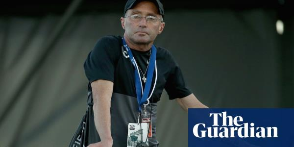 Alberto Salazar says sorry for 'callous or insensitive' pressure on female athletes