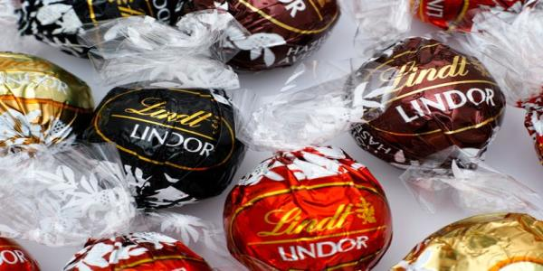 Lindt Pick And Mix Stands Are Coming To A Sainsburys Near You This Christmas