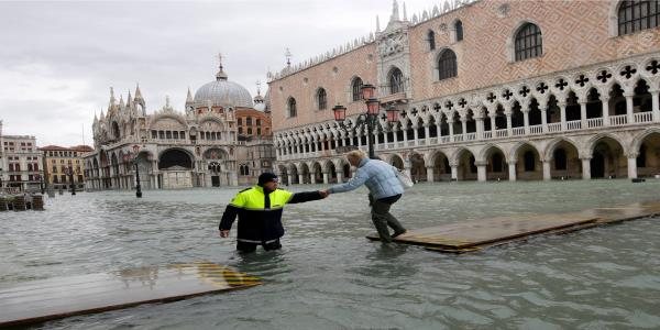 Venice Closes Famed St Marks Square Again Amid Fresh Wave Of Flooding