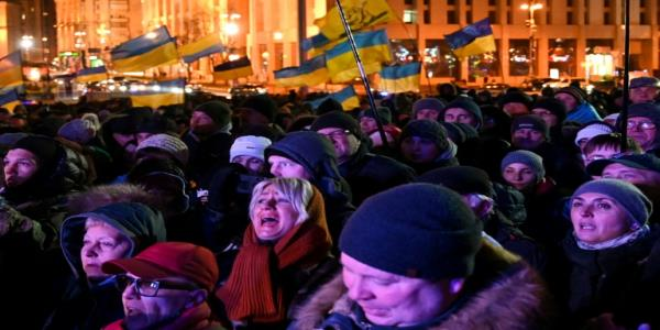 Ukraine protesters demand no capitulation to Russia