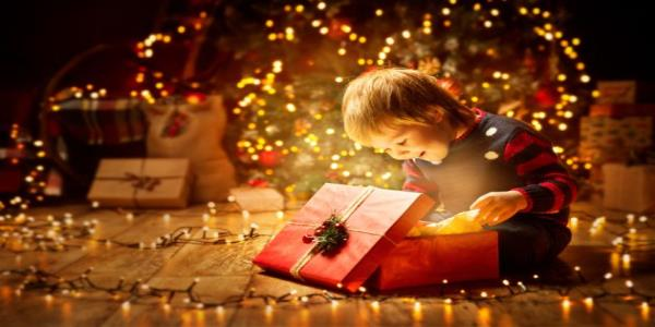 Why The Year Your Kid Finally Understands Christmas Is So Brilliant