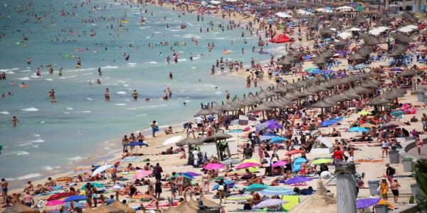 Spains Magaluf and Ibiza crack down on booze-fuelled tourists