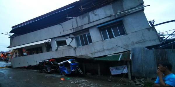 Child killed as quake strikes southern Philippines