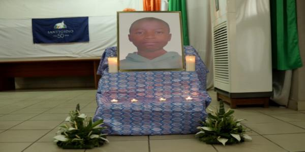 Ivory Coast clears homes around airport after child stowaways death
