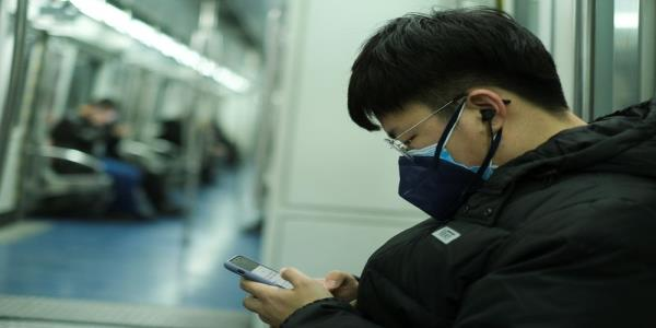 China scrambles to contain strengthening virus
