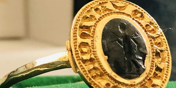Metal detectorist finds £10,000 gold ring in garage 40 years after discarding it as worthless