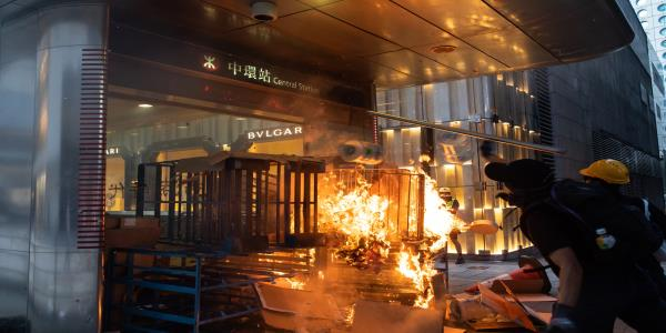 Central Hong Kong Hit With Violence After Lam's Big Concession