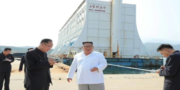North Koreas Kim orders demolitions at South-built resort