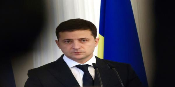 Zelensky says Ukraine getting tired of Trump scandal