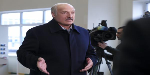 Belarus leader boasts about US ties to bargain with Moscow