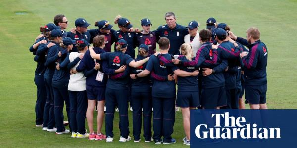Mark Robinson is a tough act to follow despite England's difficult summer | Raf Nicholson
