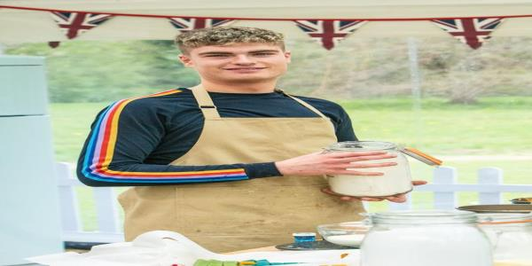 Great British Bake Off: Jamie Has Already Marked Himself Out As Everyones Favourite Contestant