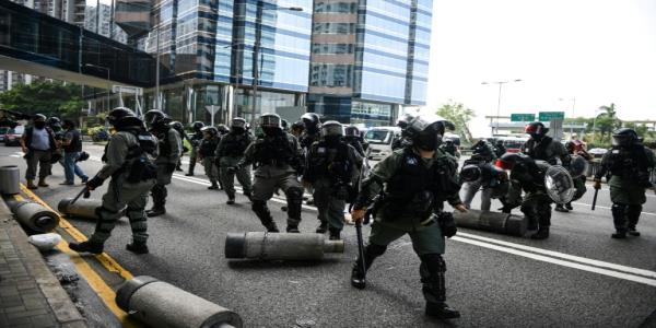 Hong Kong police make arrests as small flashmob protests erupt