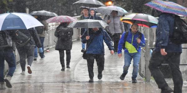 UK Weather: Two Weeks Worth Of Rain Expected To Fall In One Hour